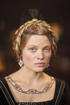 Mélanie Thierry as Catherine of valois - The Hollow Crown
