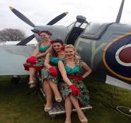 Vintage singers for hire. Vintage themed Singers ideal for Christmas and corporate events, available for Global Hire.