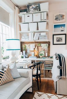 Apartment Decorating Living How To Decorate A Studio Apartment Tips For Studio Living Decor French Apartment, One Bedroom Apartment, Apartment Furniture, Apartment Living, Decorate Apartment, Micro Apartment, Cozy Apartment, Dorm Room, Studio Apartment Decorating