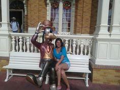 Pateta prefeitura Magic Kingdom fica em frente onde se tira foto com o Mickey Disney