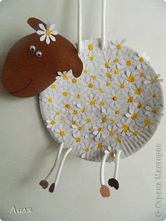 DIY Paper Plate Sheep - spring craft for kid Paper Plate Art, Paper Plate Animals, Paper Plate Crafts, Paper Plates, Preschool Crafts, Easter Crafts, Kids Crafts, Daycare Crafts, Toddler Crafts