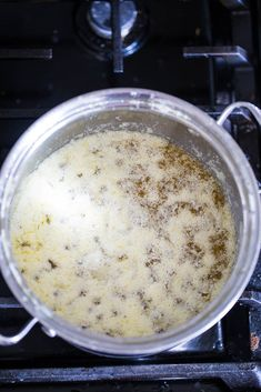 How to Make Ghee (It's easier than you think. Making Ghee, Clarified Butter, Grass Fed Butter, Whole30 Recipes, Butter Recipe, Base Foods, Oatmeal, Recipies, Plates