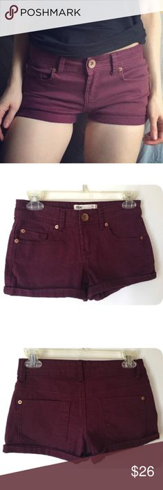 Cotton On Burgundy Maroon Cuffed Short Shorts 2 Size 2, fits like 0 or 24. Nice condition just too small for me (I'm a 3 in shorts or 1 in jeans). Fits maybe like a 0 in other brands like AE or hollister (or like a 2 in h&m since h&m runs small too) They are really cute and I want to buy them in a bigger size. I usually ship right away but please give me up to 7 days, I will contact you if I need that long. Cotton On Shorts Jean Shorts