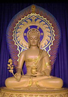 Bhaisajyaguru (Buddha of Healing, or Medicine Buddha) 藥師琉璃光王佛