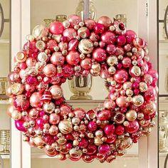 Antique Ornaments Wreath...