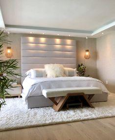 50 Cozy Master Bedroom Design Ideas with Minimalist Furniture Beautiful Bedroom Designs, Modern Bedroom Design, Master Bedroom Design, Contemporary Bedroom, Beautiful Bedrooms, Master Suite, Romantic Bedroom Lighting, Big Bedrooms, Bedroom Layouts
