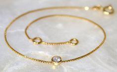 Solitaire diamond and 18k gold bracelet Diamond by bellallure