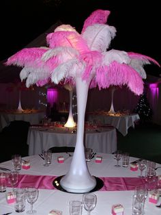 Ostrich Feather Centrepieces - www.visionballoon...