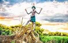 「世界一ファッショナブル」な民族!アフリカのスリ族の写真展開催 1枚目の画像