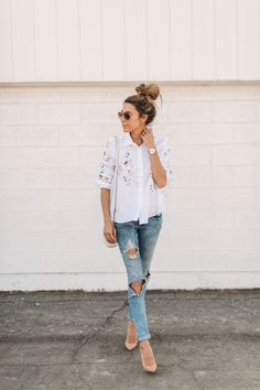 HelloFashionBlog: An embroidered floral button up top
