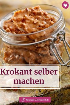 Krokant selber machen: Erdnuss-, Haferflocken und Haselnuss-Krokant Home-made food tastes especially good during the Christmas season – and brittle is no exception. We show you how to make the classic home easily. Summer Desserts, Summer Drinks, Christmas Desserts, Summer Recipes, Christmas Crafts, Keto Recipes, Cake Recipes, Dessert Recipes, Peach Crumble