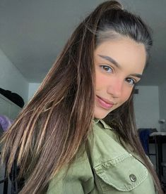 Israeli Female Soldiers, Israeli Girls, Idf Women, Military Women, Long Hair Styles, Lady, Beauty, Beautiful, Instagram