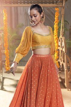 Party Wear Indian Dresses, Designer Party Wear Dresses, Dress Indian Style, Indian Fashion Dresses, Indian Wedding Outfits, Indian Designer Outfits, Indian Outfits, Western Outfits, Designer Wear