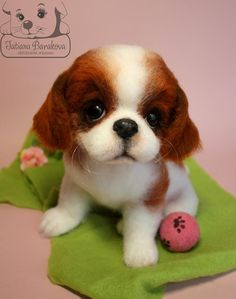 Needle felted spaniel. This is such a cute little spaniel puppy and the colors used are so very rich.
