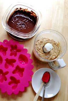 How to Make Peanut Butter Cups in Silicone Molds
