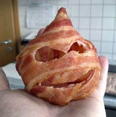 Amazing And Funny Pictures: 10 Cool and Creative Bacon Art Pieces