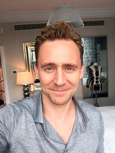 "Tom Hiddleston: ""Q&A time with @IMDb. Let's go! #IMDbAskTom #ISawTheLight"" Tweet: https://twitter.com/twhiddleston/status/713474679105855488"