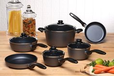 This Swiss Diamond Classic Series Ultimate Kitchen Cookware Set will have you cooking all sorts of delicious meals including chicken and rice dishes. Kitchen Cookware Sets, Kitchen Kit, Kitchen Supplies, Kitchen Ideas, Pots And Pans Sets, Gluten Free Living, Thing 1, Pan Set, Rice Dishes