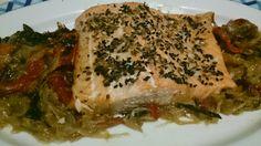 Fácil y Sano : Salmon al horno con cebolla caramelizada , jamon i...