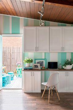 Kitchen Workspace Makeover | HGTV >> http://www.hgtv.com/design/rooms/kitchens/creating-a-kitchen-workspace-pictures?soc=pinterest