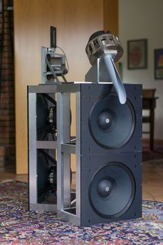 Wolf von Langa AUDIO FRAME, AUDIO FRAME for installation and free standing