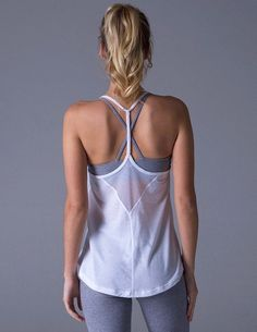 This airy, skinny strap tank is the perfect match for any sweaty workout. Nike Outfits, Womens Workout Outfits, Sporty Outfits, Athleisure Outfits, Workout Attire, Workout Wear, Workout Tops, Yoga Fashion, Sport Fashion
