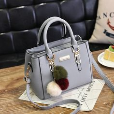 Women messenger bags hairball ornaments totes crossbody shoulder bags solid sequined handbag hotsale party purse