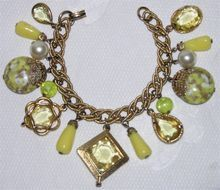 1950's Vintage Yellow Glass & Marbled Lucite Charm Bracelet
