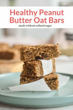 These healthy peanut butter oatmeal bars are made with bananas and dates for a sugar-free, hearty oat bar that makes the perfect on-the-go breakfast or snack. Quick Healthy Meals, Good Healthy Recipes, Healthy Breakfast Recipes, Healthy Snacks, Breakfast Cooking, Healthy Options, Vegetarian Recipes, Healthy Eating, Peanut Butter Oatmeal Bars