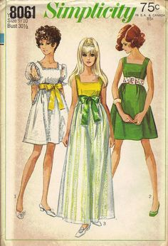 Vintage 1968 Simplicity 8061 Young Junior / Teen Dress in Two Lengths - Empire Dress - Square Neckline - Ribbon Sash Vintage Dress Patterns, Clothing Patterns, Simplicity Sewing Patterns, Baby Patterns, Mode Poster, Vintage Outfits, Vintage Fashion, Vintage Girls, 1960s Fashion