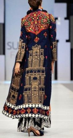 Wonderfully embroidered and embellished coat from Akif Mahmood& 2012 collec. Wonderfully embroidered and embellished coat from Akif Mahmood& 2012 collection. Fashion Details, Look Fashion, High Fashion, Womens Fashion, Fashion Design, Look Boho, Bohemian Style, Boho Chic, Ethnic Fashion