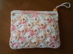 crochet purse pouch pattern, fun summer pouch for girls on the go, quick and easy project for beginners