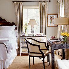 Calm gray bedroom: Benjamin Moore 'Gray Cashmere', via Flickr.