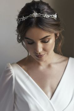 Royal Classique | Delicate wedding crowns for the understated bride #weddingcrowns
