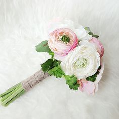 I just love how soft ,romantic  and elegant this bouquet looks.