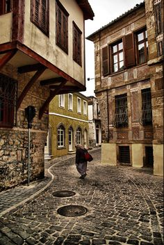 The traditional architecture, beauty and colours of Xanthi' s Old Town Beautiful Islands, Beautiful Places, Greece Today, Places In Greece, Greek House, Into The West, Macedonia, Greece Travel, Countries Of The World