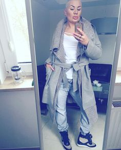 """Polubienia: 109, komentarze: 7 – Agata Siedlik (@agstyls) na Instagramie: """"Dzień dobry🙂dziś jakieś kiepskie samopoczucie 😒a wiec na luzie💙miłej niedzieli 💙#polishgirl…"""""""