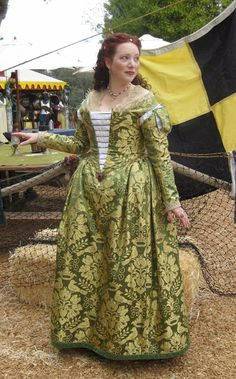 The Italian Showcase - Kendra at the Realm of Venus:  A Venetian Outfit in the Style  of  the 1560s