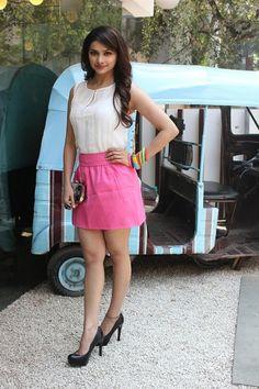 "Prachi Desai at Bblunt Saloon Promoting ""I ME AUR MAIN""."