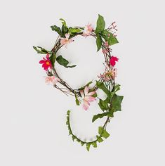Typographic inspiration: Creating a font from flowers