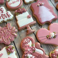 Bridal shower cookies in the beautiful pink/rose gold tones