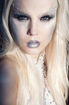 halloween makeup looks - Ice Queen Ghost Makeup, Witch Makeup, Fairy Makeup, Eye Makeup, Halloween Ghosts, Halloween Make Up, Halloween Costumes, Halloween Ideas, Halloween Hair
