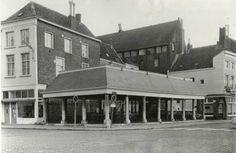 De vishal aan de Haven in 1969. Het café achter de vishal werd gerund door Leo Canjels, de toenmalige topschutter van de voetbalclub NAC. Hij kwam drie keer uit voor het Nederlands elftal.