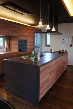 Kitchen Dinning, New Kitchen, Kitchen Interior, Kitchen Design, Japanese Bath, Plain Wallpaper, Interior Architecture, Interior Design, Kitchen Styling
