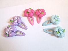 Fabric flower hair clips-flower clips-fabric by colorsplashh Flower Hair Clips, Flowers In Hair, Fabric Flowers, Baby Headbands, Cloth Flowers, Kids Headbands, Flower Clips