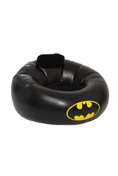 Batman inflatable chair.. :D I WANT THIS AND I KNOW ONE OF MY BESTIES WANTS THIS 2 SO WHERE CAN I ORDER 2 OF THESE?????? @kaylalegvold