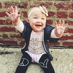 Peace Love & Naps baby onesie - Little Beans Clothing. Hipster baby, fashion kids, baby outfit.