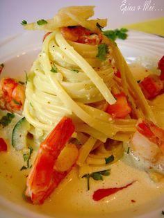 Gambas rôties linguine au curry et lait de coco Linguine Recipes, Seafood Recipes, Indian Food Recipes, Pasta Recipes, Italian Recipes, Cooking Recipes, Healthy Recipes, Salty Foods, Tetrazzini
