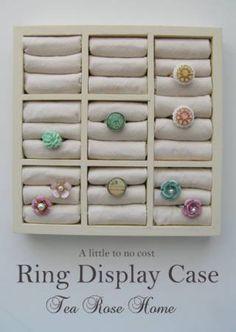 DIY Ring Display Case Tutorial : spray paint + fabric + batting + wooden drawer organizer (found at the dollar store). so easy! Diy Rings Storage, Jewellery Storage, Jewellery Display, Diy Jewellery, Storage Ideas, Jewelry Organization, Earring Storage, Diy Storage, Earring Display