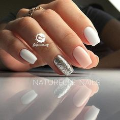 There are three kinds of fake nails which all come from the family of plastics. Acrylic nails are a liquid and powder mix. They are mixed in front of you and then they are brushed onto your nails and shaped. These nails are air dried. Casual Nails, Trendy Nails, Love Nails, Fun Nails, Sparkle Nails, Style Nails, Glitter Nails, Nails 2018, Manicure E Pedicure